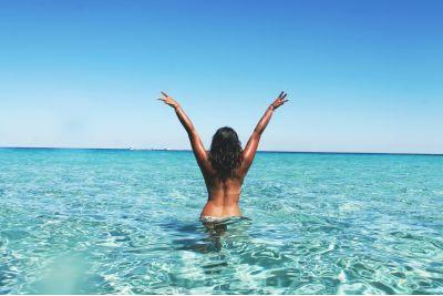Mire van szüksége a bőrödnek napozás után, még akkor is, ha használsz napvédő krémet?