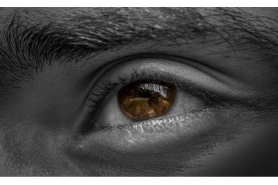 Mit tehetsz a duzzadt, táskás szemekkel?